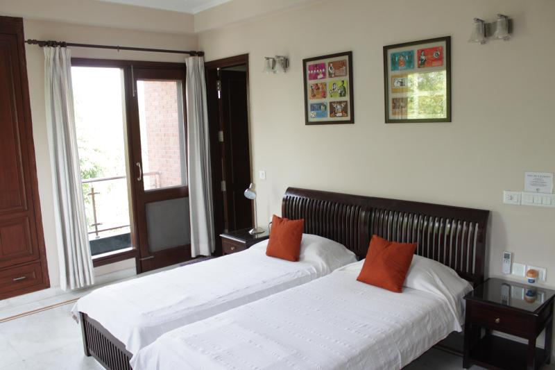 Several Rooms in a beautiful B'nB, great location!, vacation rental in New Delhi