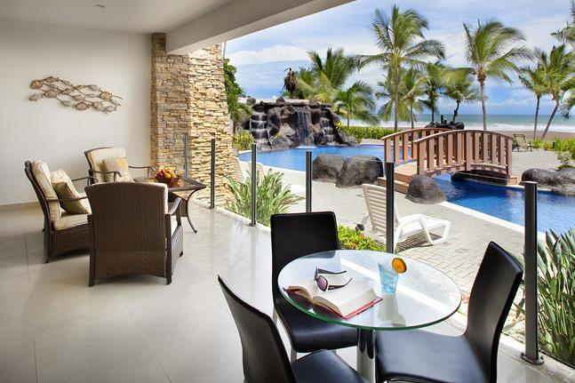 Condominium terrace right in front of the pool