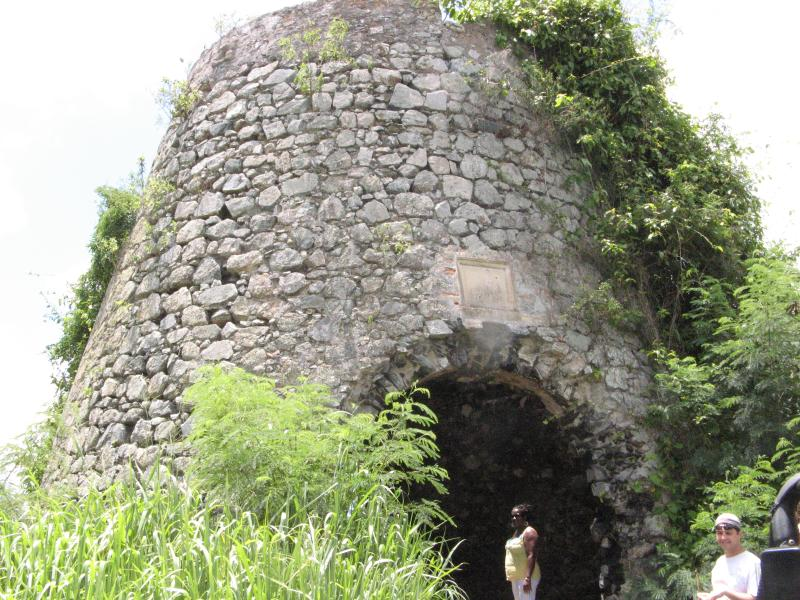 Il existe de nombreuses sucreries historique préservés à Sainte-Croix.