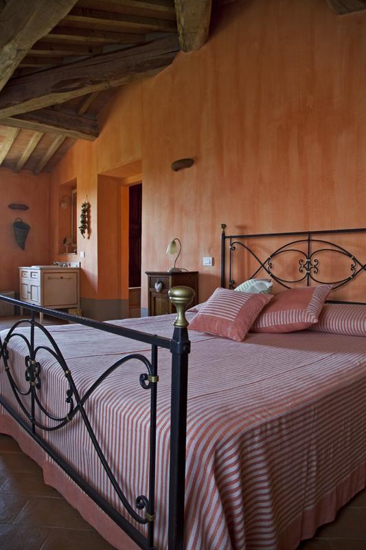 Pomegranade room (Double bedroom)