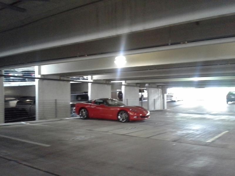 Garage de stationnement w / entrée distante