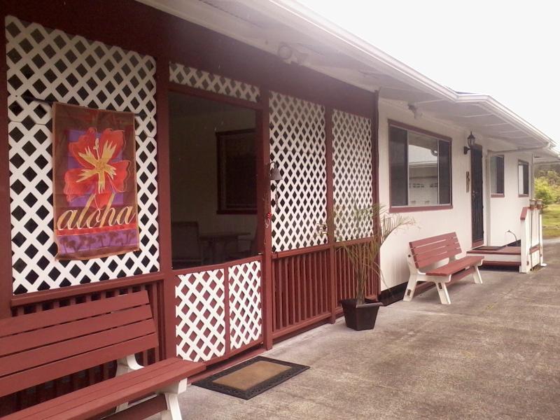 Aloha &  Welcome to Halia's Hideaway :)