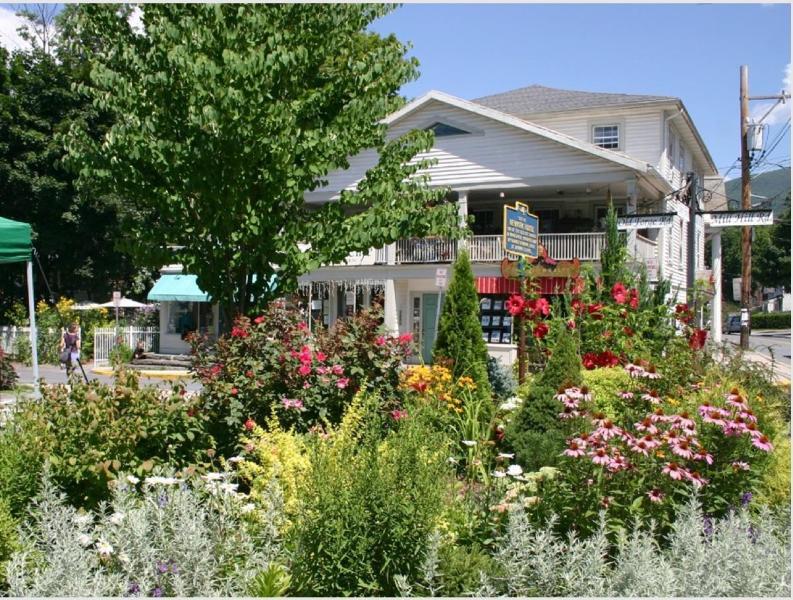 Woodstock village square
