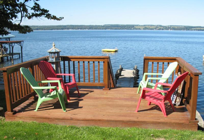 Beautiful Seneca Lake - Lakefront Cottage, holiday rental in Geneva
