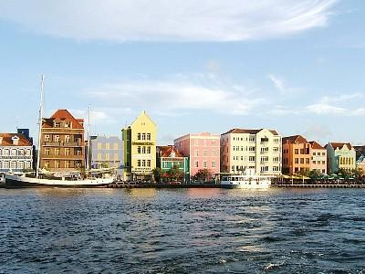 The colorful Punda side of Colonial Willemstad
