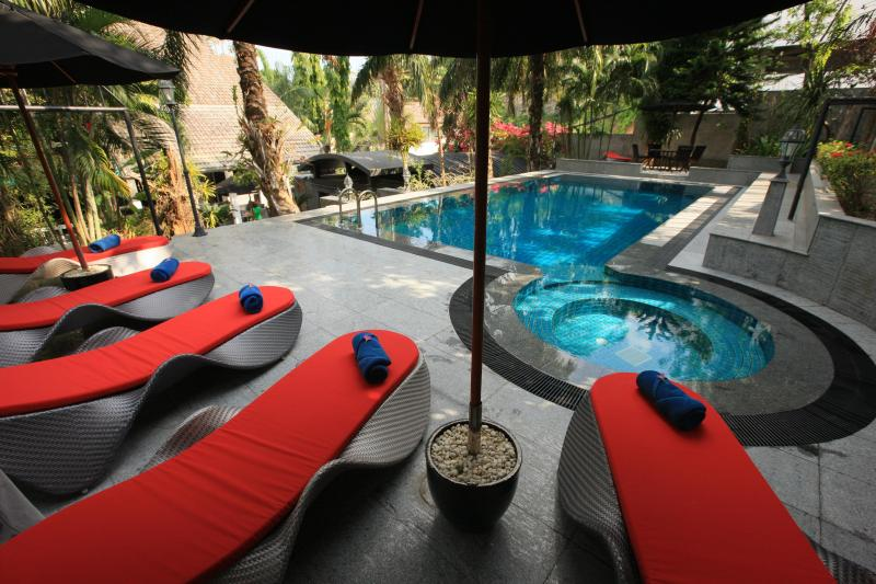 Baan Heaven / sleep's 15 people / Patong Beach, holiday rental in Patong