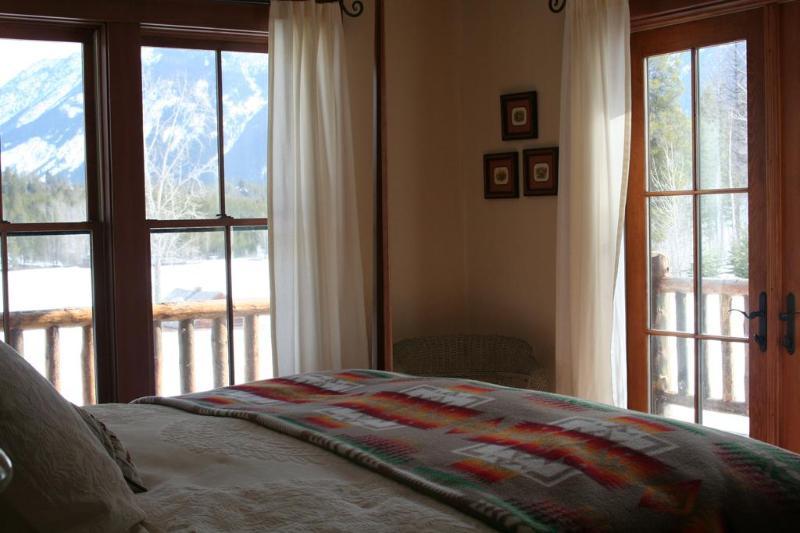 Lodge Master Suite