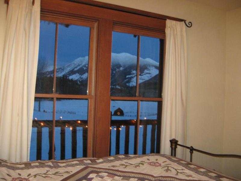 All bedrooms have Mountain Views!