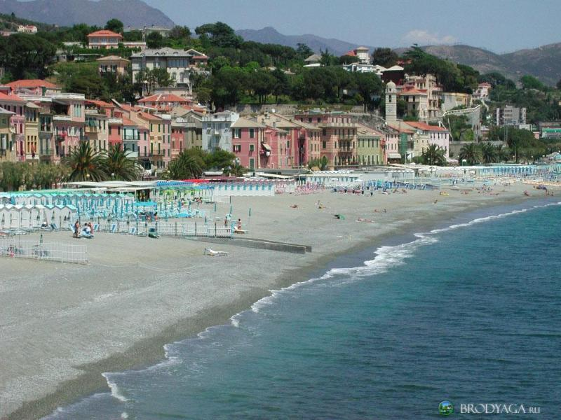Viareggio Beach (only 45 minutes away)