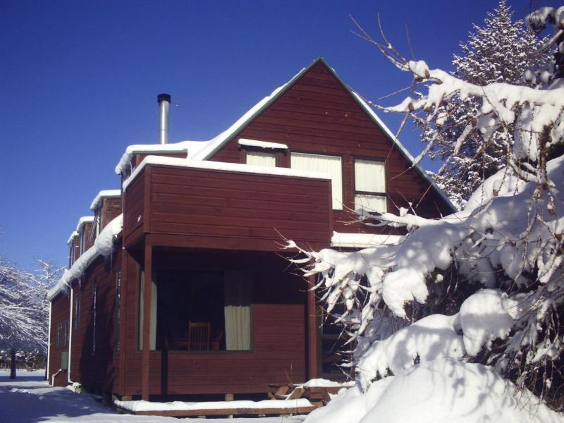 SNOMAD Chalet Exterior