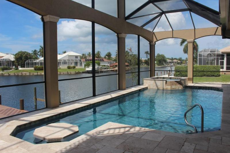 Marco Getaway BRAND NEW Luxury 4BR 2 Story Villa, vacation rental in Marco Island