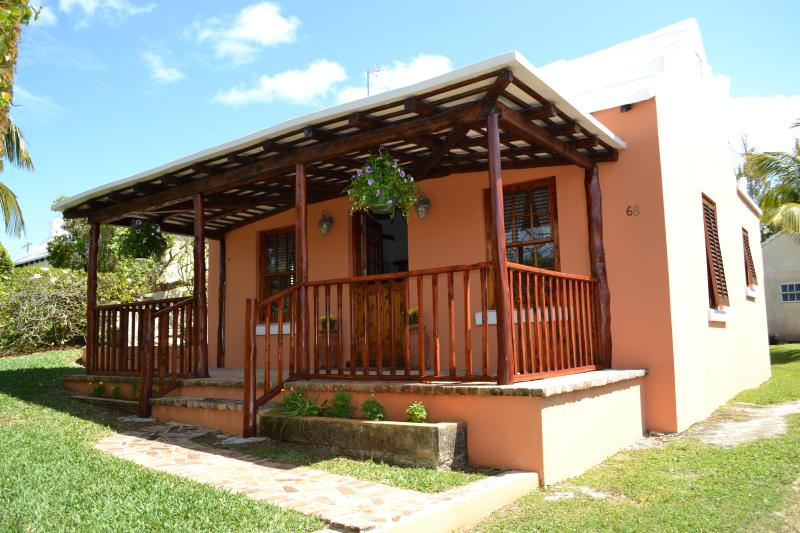 Your Own Beautiful Bermuda Cottage, casa vacanza a St. George
