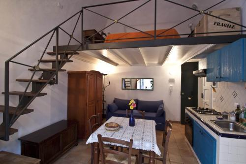 4roomsrelax appartamento 1° fl in Catania Cathedral, vacation rental in Catania