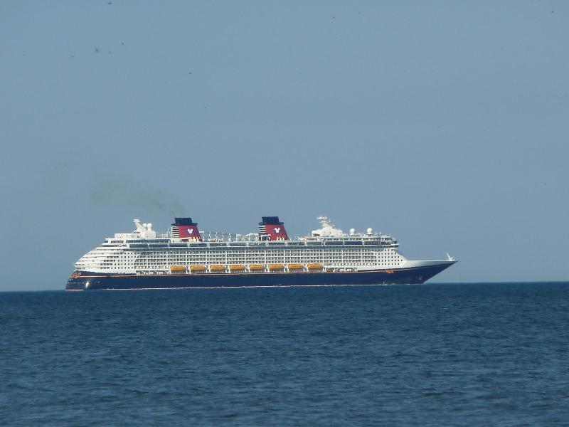 Cruzeiro navio saindo de Port Canaveral
