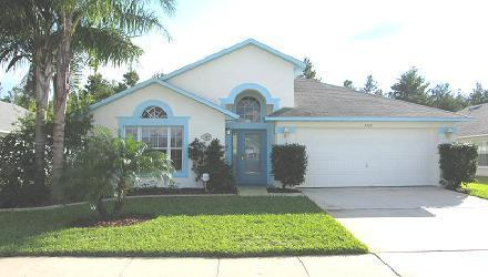 Luxury 4 Bedroom Villa with Private Pool, 2 Miles from Disney, vacation rental in Kissimmee
