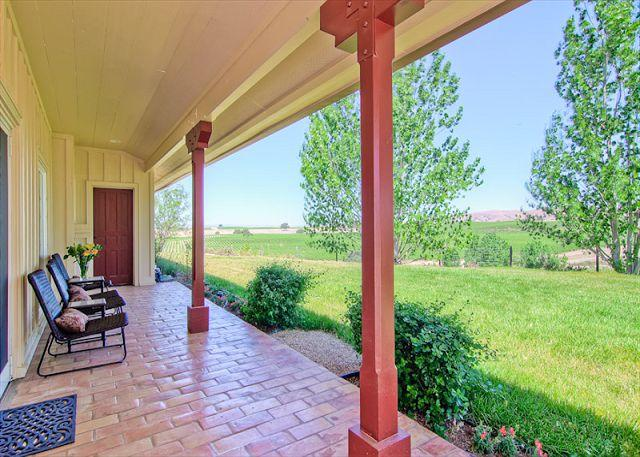 Vina Robles Vineyard 4 Bedroom at Pleasant Valley--As Tasteful as the Wine!, casa vacanza a San Miguel