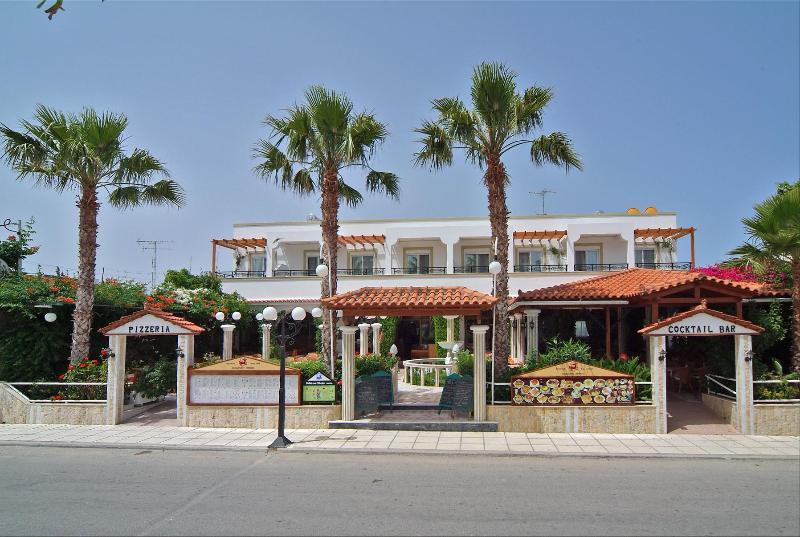 Sagittarius Apartments, Tigaki, Kos Island, holiday rental in Zipari