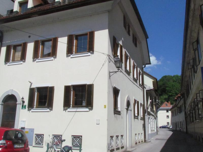Apartments Old Town - studio with balcony, holiday rental in Ljubljana