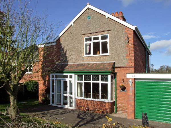 LONINGSIDE, family friendly, country holiday cottage, with a garden in, location de vacances à Wolverhampton