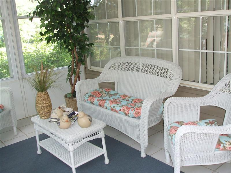You'll love this screened in porch