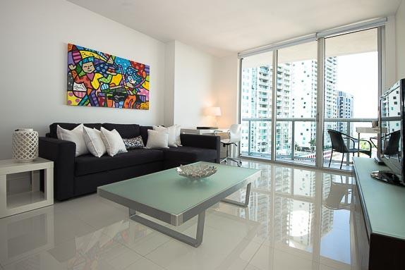 Gorgeous Modern Condo in Prestigious ICON Brickell, holiday rental in Miami