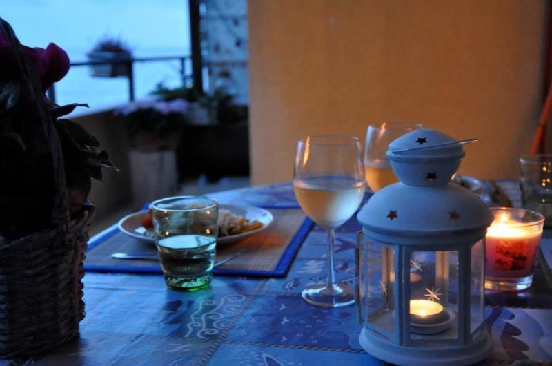 Heure du dîner dans la véranda