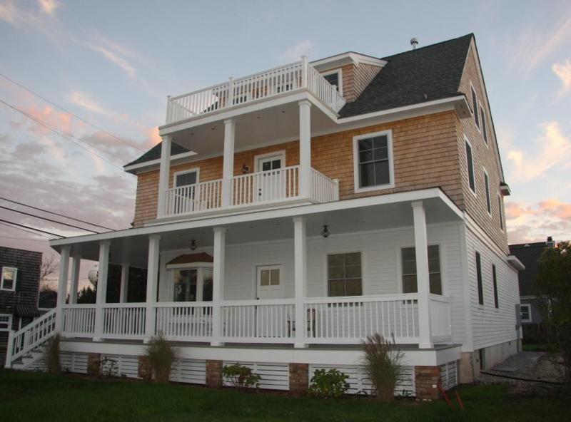 ~The Bay Head House...Magnificent 9 Bedroom, 6 Bath~
