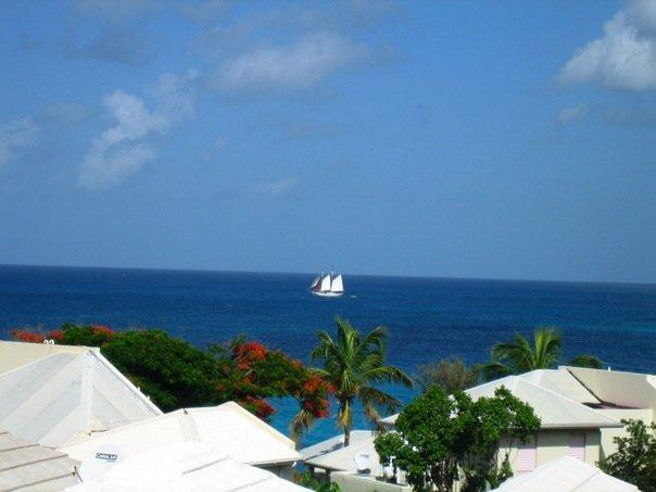 2 BEDR townhouse overlooking OCEAN  ST- MAARTEN, vacation rental in Simpson Bay