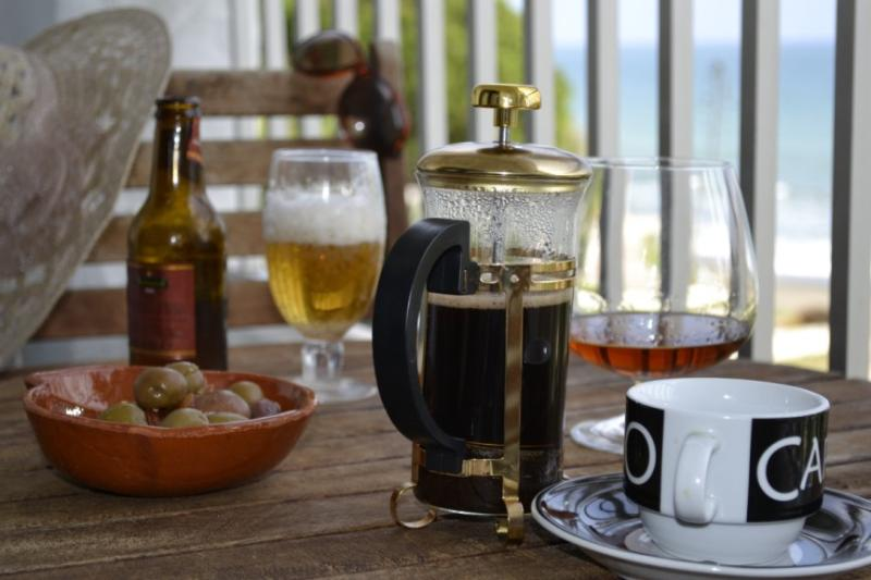 Kick off your shoes,you're on holiday,so enjoy a mid morning coffee on the seaview balcony