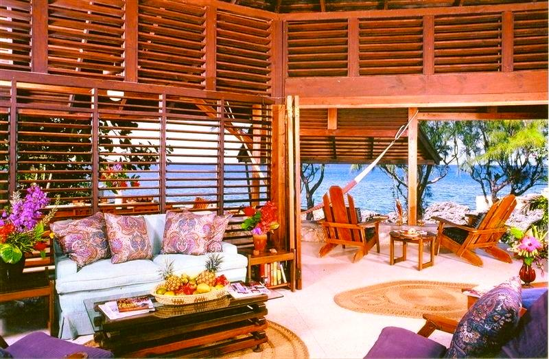 Wild Grape's open living area with stunning Caribbean views!