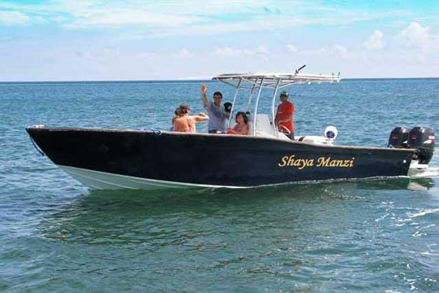 Tillgängliga för charter båt