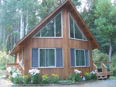 Parksville Area Cedar guest house nestled in woods, vacation rental in Vancouver Island