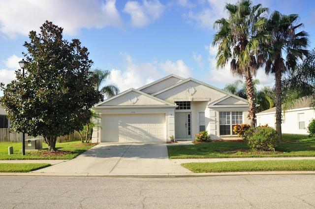 Little Palms Villa. A lakeside home with style., holiday rental in Bradenton