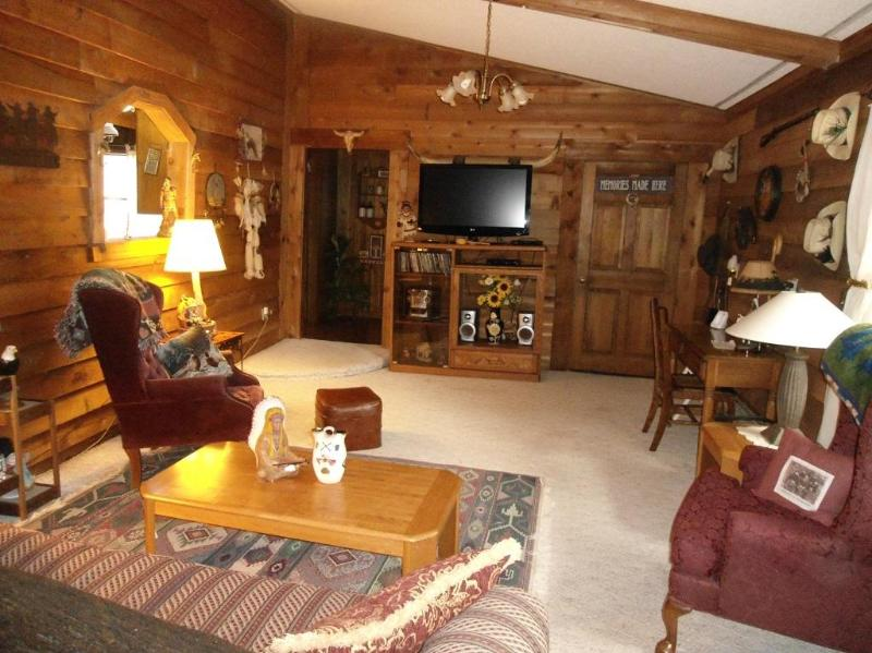 family room with lcd tv