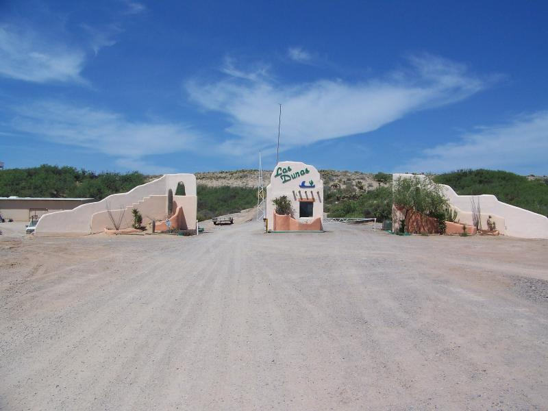 GUARD STATION AND ENTRY