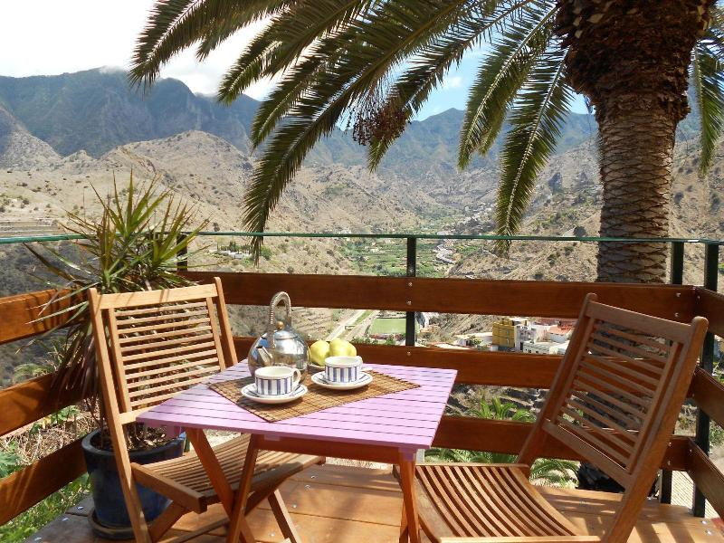 Terrace with views across the valley and the sea Hermigua