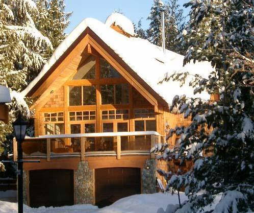 Large Luxury Lodge near the Lifts at Red Mountain, holiday rental in Christina Lake