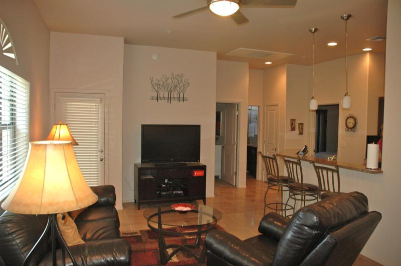 Tucson Luxury Foothills Condo- Resort Style Living, holiday rental in Tucson