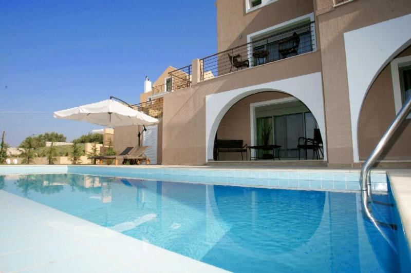 2 People villa with private pool