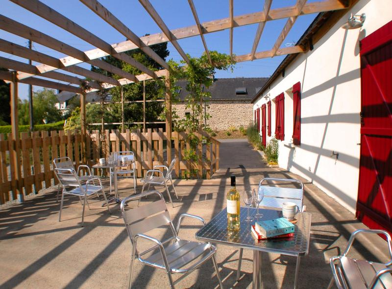 The front breakfast terrace, ideal for tea & coffee, fresh fruit and pain au chocolat first thing.