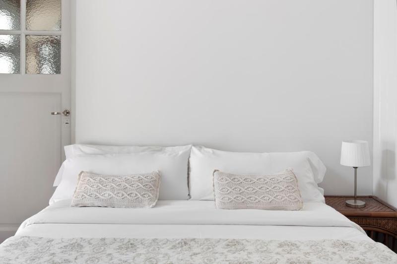 Lujosa ropa de cama y almohadas extra grandes