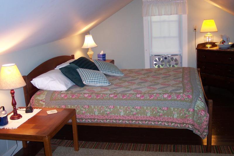 Second floor bedroom - queen size bed