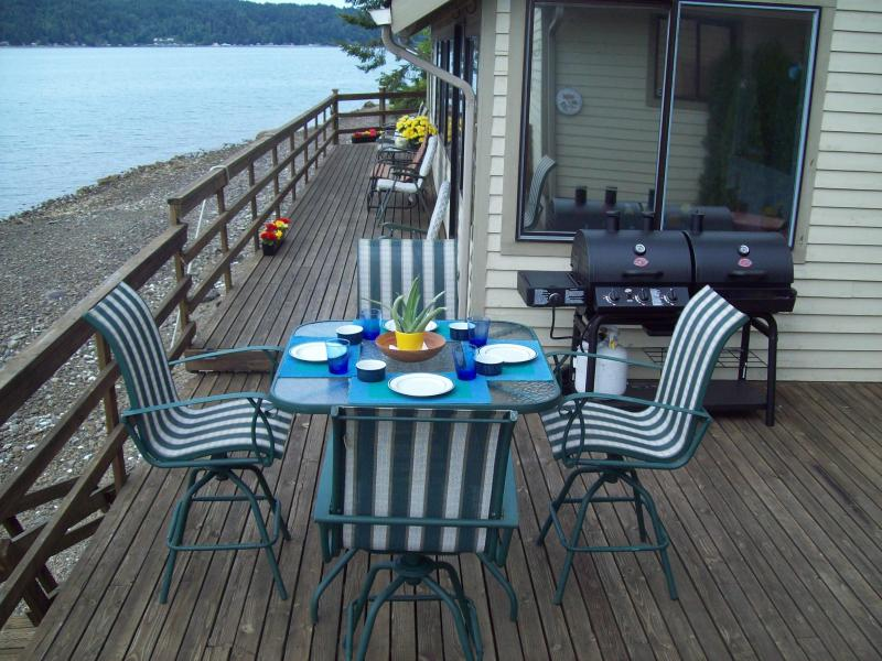 Outdoor Dining for 4