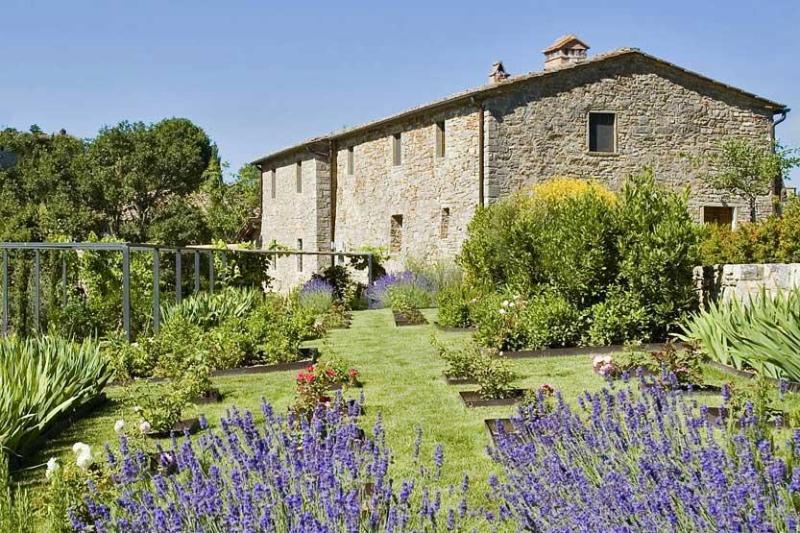 Chianti Luxury Suite, Radda in Chianti - Siena, location de vacances à Volpaia
