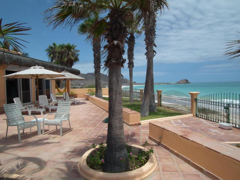 VILLA DEL MAR's ocean-beach views to north
