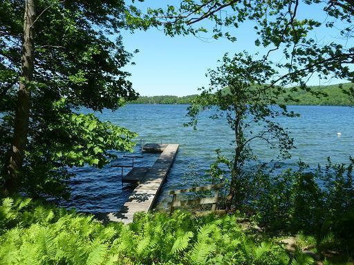 Charming 2+2 Lakeside Cottage on Best Lake in CT, alquiler de vacaciones en Sharon