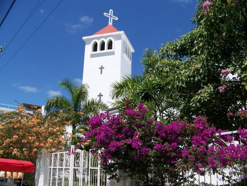 L'église voisine