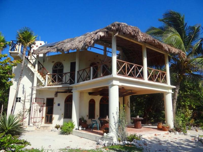 Casa del Cielo de las Estrellas. Spacious balcony and terrace face the beach.