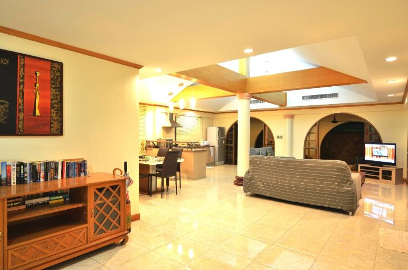 dining , kitchen and lounge open plan