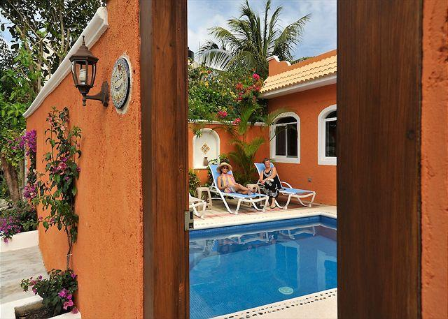 Newly remodeled, private 2 bdrm, 2 ba house w pool, location de vacances à Tamaulipas